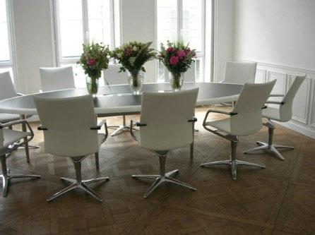 Art Bureau : Table de conférence